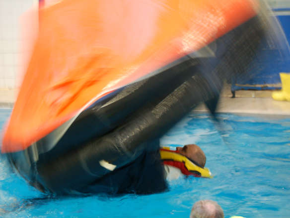 righting-a-liferaft