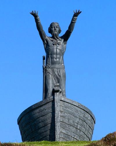 Manannan-mac-Lir-statue